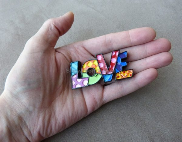 """Mot """"Love"""" de Britto (Petit modèle)"""